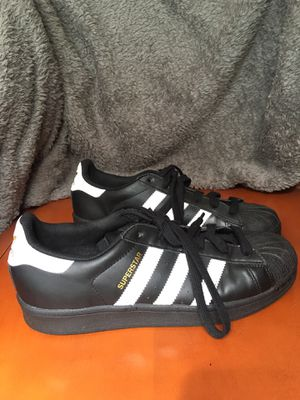 Adidas Superstar Sneakers Black w/ White Stripes, Women's Size 8.5, Barely Worn for Sale in Lutz, FL