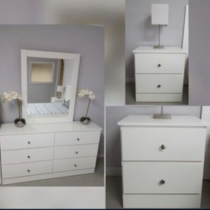 Dresser With Mirror And 2Nightstands - Comoda Con Espejo Y 2 Mesitas De Noche for Sale in Coral Gables, FL