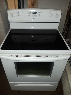 Amana electric glass top oven stove range for Sale in Tacoma, WA