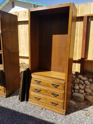Shelving unit n 3 drawers, heavy well built for Sale in Victorville, CA