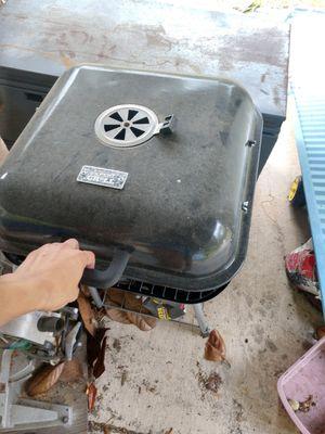 Small grill for Sale in Dunnellon, FL