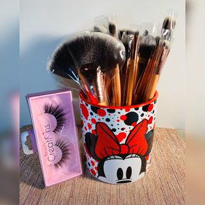 Minnie Mouse Mug With Brush Set And Lashes ✨ for Sale in Buena Park, CA