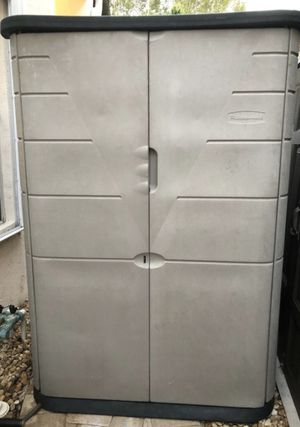 Rubbermaid shed 6h x 4w x 2d. Delivery available if close for Sale in Sunrise, FL