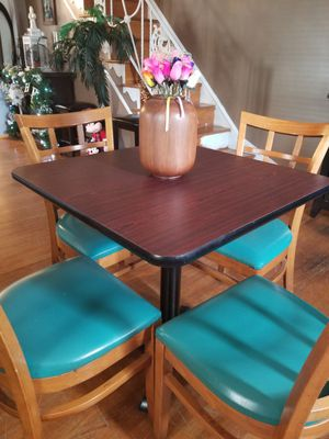 Kitchen Table w/4 Chairs for Sale in Philadelphia, PA