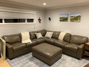 Arizona Leather Large L-shaped Sectional Couch and Ottoman for Sale in San Diego, CA