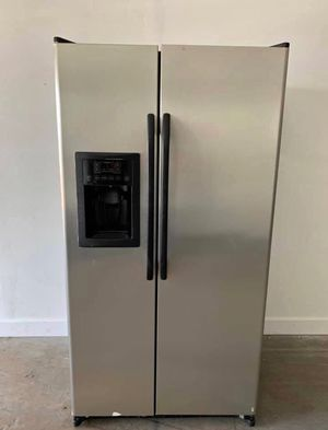 FREE DELIVERY! GE Refrigerator Fridge Free Delivery With Icemaker #985 for Sale in Chino, CA