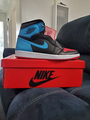 "Jordan 1 Retro High OG ""UNC To Chicago"" Size 12.5 womens / 11 mens for Sale in Alhambra, CA"