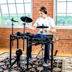 Alesis Drums Nitro Mesh Kit Eight Piece All Mesh Electronic Drum Kit for Sale in Groveport, OH