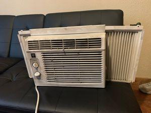 AC Unit (regular plug) for Sale in Kalamazoo, MI