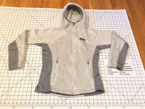 PATAGONIA POLARTEC LADIES FLEECE WITH SPANDEX STRETCH FULL ZIP HOODED JACKET XS for Sale in Puyallup, WA