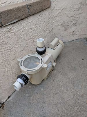 1.5 whisper flow pool pump for Sale in Claremont, CA