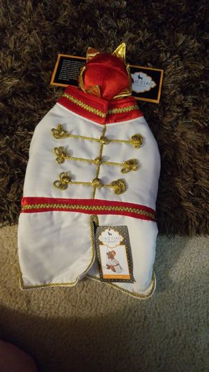 Little king holloween costume for a dog small for Sale in Auburn, WA