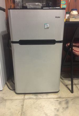 Mini fridge college student for Sale in North Miami, FL