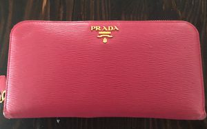 Prada Wallet for Sale in Palm Springs, CA