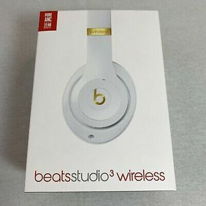 Beats Studio 3 brand new for Sale in Dearborn Heights, MI