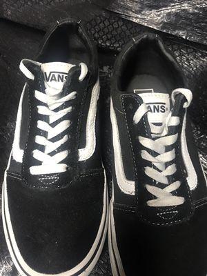 Vans black & white size 8.5 for Sale in Hampton, GA