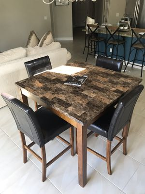 Dining Table and Four Chairs for Sale in Clovis, CA