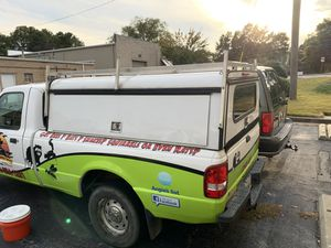 A.R.E. Locking camper top work truck cap with light rack for Sale in Tucker, GA