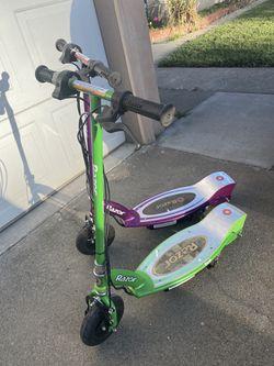 2 E100 electric razor scooters for Sale in Sacramento, CA