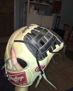 Rawlings Baseball Glove for Sale in Baldwin Park, CA