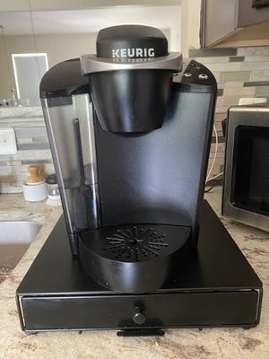 Keurig coffee maker for Sale in Woodbridge, VA