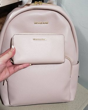 Michael kors backpack with wallet for Sale in Phoenix, AZ