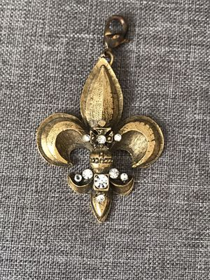 Flier de lis charm gold and rhinestone for Sale in Gig Harbor, WA