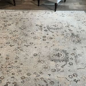 Vintage Style Area Rug for Sale in Monrovia, MD
