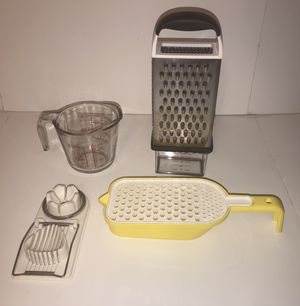 Grater and Measuring Cup for Sale in Los Angeles, CA