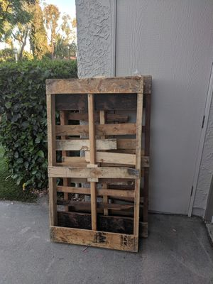 Free Wood Pallets for Sale in Pomona, CA