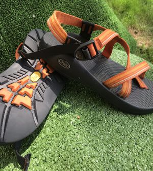 Men's V2 chacos w toe strap vibram sole for Sale in Canton, OH