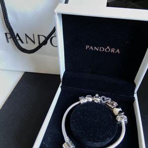 6.7 BRAND NEW Pandora Bracelet for Sale in Miami, FL