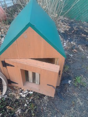 Armish built insulated dog house. for Sale in Euclid, OH