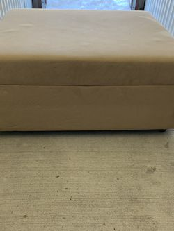 Velvet Mini Couch/Seat With Pull-out Mattress for Sale in La Grange Park,  IL