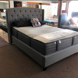 Queen Size Bed Frame (Mattress Set Included) for Sale in Los Angeles,  CA