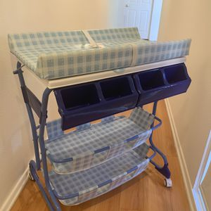 Stand-up baby bath And Changing Table for Sale in Rancho Palos Verdes, CA