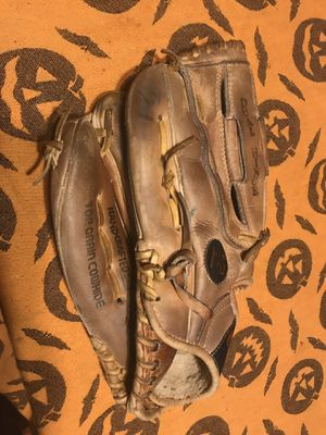 """Kids 12"""" lefty baseball glove all leather for Sale in Chula Vista, CA"""