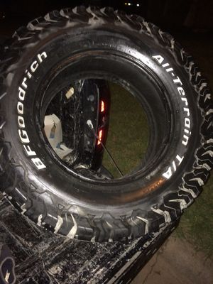 BFGoodrich 275/70/r17 a/t for Sale in Abilene, TX
