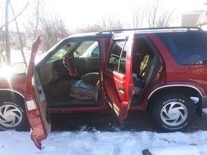 98 Chevy blazer for Sale in MERRIONETT PK, IL