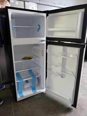 Mini fridge nevera neverita frigobar freezer mini fridge nevera for Sale in Oakland Park, FL