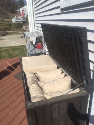 Keter Outdoor Storage Chest for Sale in Damascus, MD