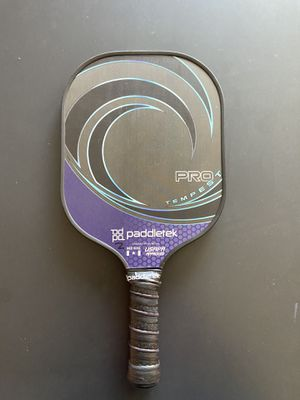 Pickleball paddle used pro tempest wave for Sale in Belmont, MI