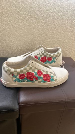 Rose Embroidered Old Skool Vans Size 12 for Sale in Los Angeles, CA
