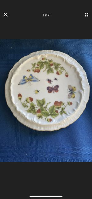 """Royal Crown Spring Time #2349 White Multi Butterfly Motif Plate 6"""" for Sale in Delray Beach, FL"""