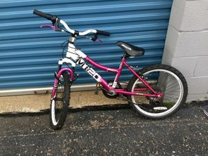 "20"" girls bca mt20 moutain bike looks brand new for Sale in Livonia, MI"