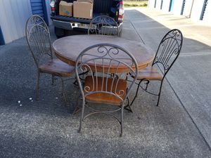 Vintage 4 chairs and table for Sale in Gulfport, MS