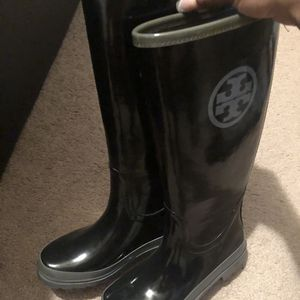 Tory Burch Rain Boots Size 6 for Sale in Philadelphia, PA