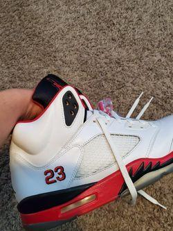 Jordan 5 Fire Red for Sale in Waukegan,  IL
