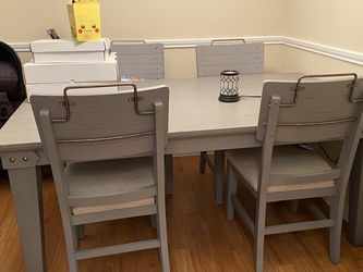 table + chairs for sale for Sale in Houston,  TX