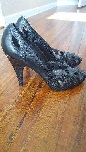 BCBG leather peep toe size 8 for Sale in Las Vegas, NV